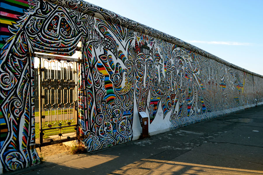 7 Facts about Berlin Wall   Fact File   Fun Facts About The Berlin Wall